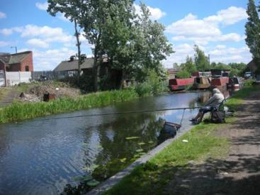 irchills Canal - gone fishing